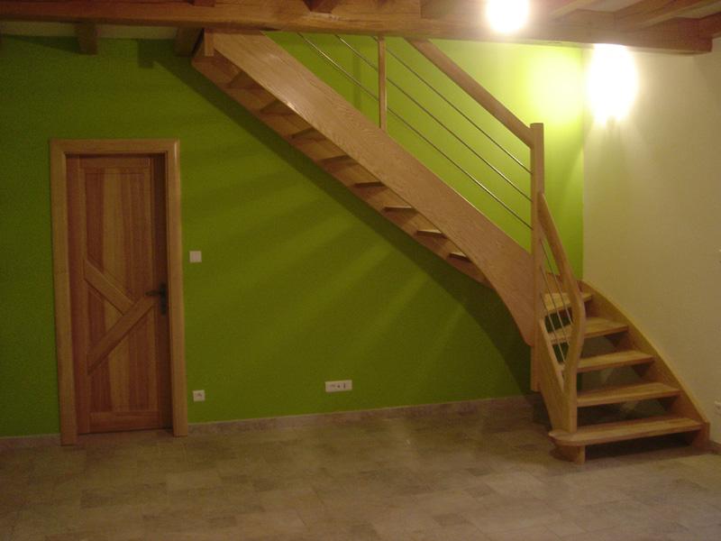 Menuiserie didierjean fabricant escaliers et portes fraize vosges - Escalier sans garde corps ...